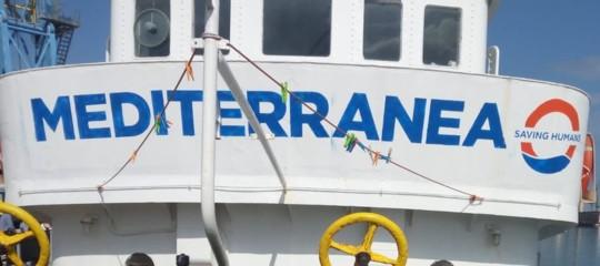 Migranti cargo Lampedusa Mare Jonio