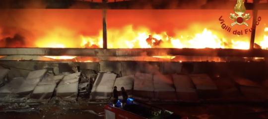 milanoincendio puzza rifiuti