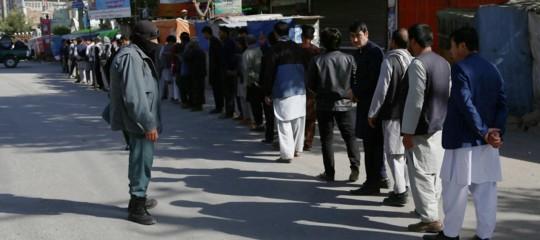 Afghanistan: secondo giorno di voto, ma è paura per attentati