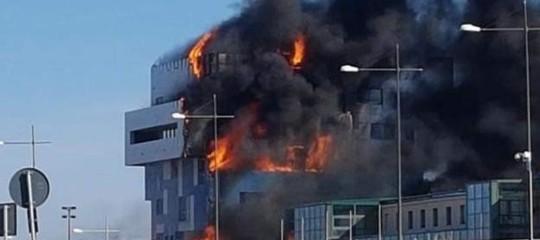 Incendio Savona: domate le fiamme, ancora ignote le cause del rogo