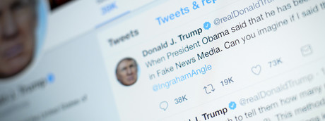 Il governo britannico ha abolito l'uso del termine fake news