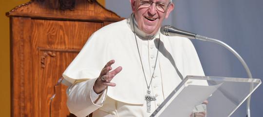 papa migranti mediterraneo
