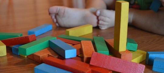 Perché la Francia ha deciso l'obbligo scolastico per i bambini di 3 anni