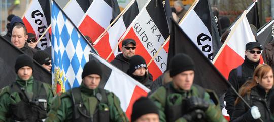 Il Parlamento Europeo chiede ai Paesi dell'Ue di interdire i gruppi neofascisti e neonazisti