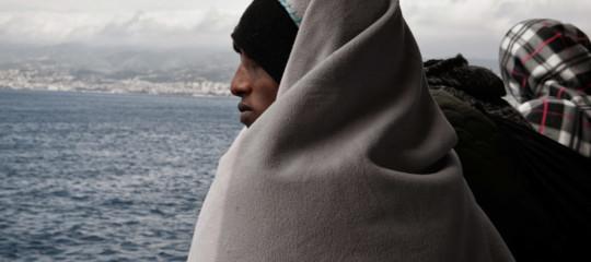 Migranti barca a vela Crotone