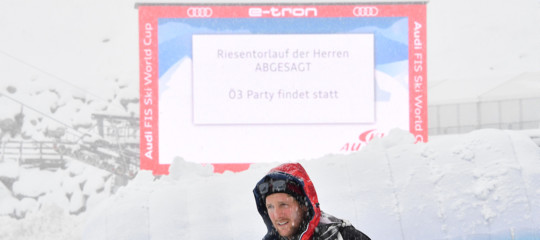 Maltempo annullato slalom gigante maschile sci Austria