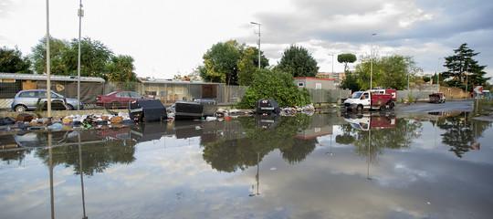 Scuole chiuse e viabilità in tilt per il maltempo. Cosa sta succedendo in Italia