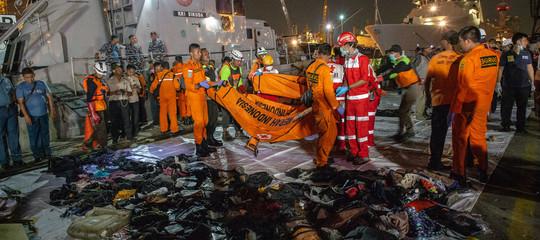 Chi è il ragazzo italiano tra le 189 vittime del disastro aereo in Indonesia