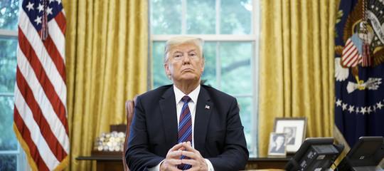 """Trumpchiede un """"muro di persone"""" contro la carovana di migranti dall'America Latina"""