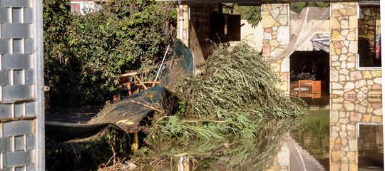 maltempo sicilia casa abusiva