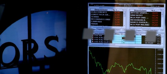 677b52f590 Tornano le tensioni sui titoli di Stato, lo spread sale e sfiora i 300 punti