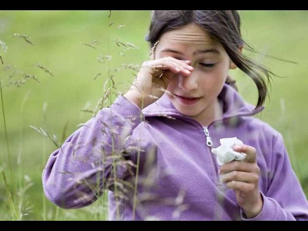 Fastidi di primavera: oltre 1 milione di bambini soffre di allergie ai pollini