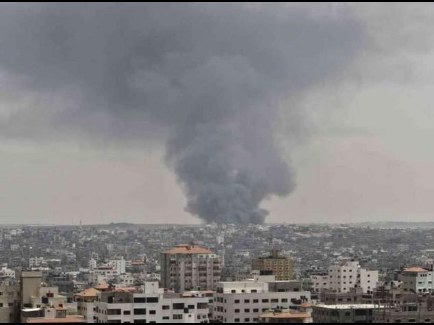 Israel continues Gaza bombardment as death toll passes 120