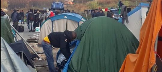 Migranti Salvini sgombero Baobab
