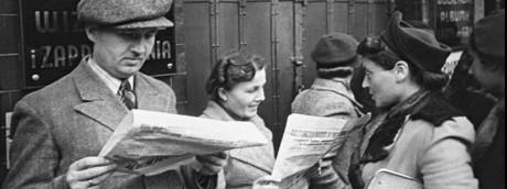 Lettori di giornali in Polonia durante la Seconda Guerra Mondiale