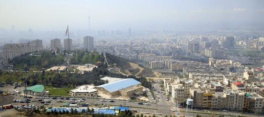 Iran: giustiziato il 'sultano delle monete d'oro'; giù euro e dollaro