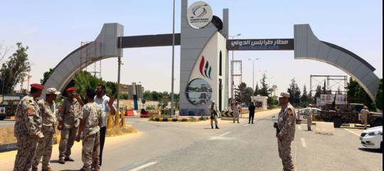 libia scontri tripoli aeroporto