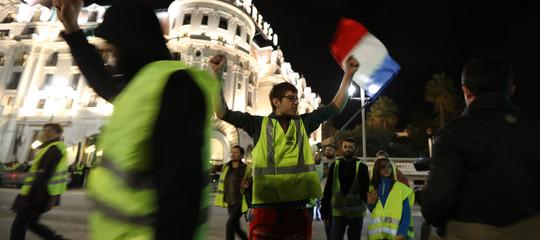 Francia: durante le proteste dei gilet gialli un'automobilista ha investito e ucciso una manifestante