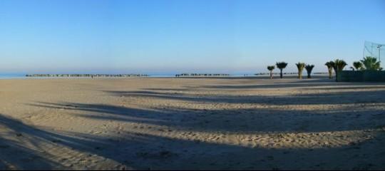 Scheletro mutilato trovato in spiaggia a San Benedetto del Tronto