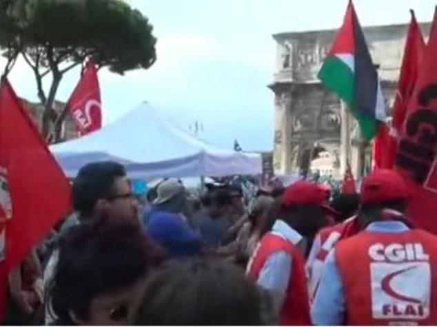 """Immigrati: dalla manifestazione a Roma un appello all'Ue """"stop alle stragi"""" - VIDEO"""