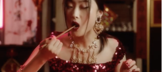Un video ha messo in guai seri Dolce&Gabbana in Cina