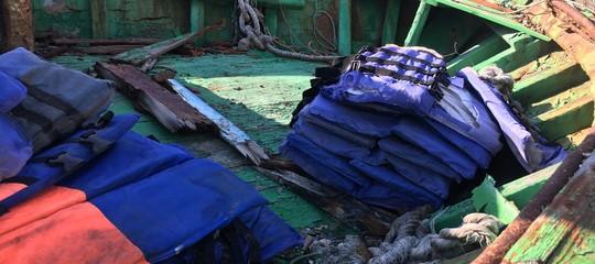 Migranti: sbarco aPozzallo, fermati 5 scafisti egiziani