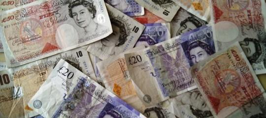 Più di mille sterline l'anno per ogni cittadino britannico: è il conto dellaBrexit