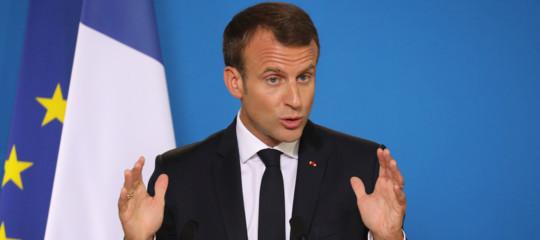 francia legge bufale fake news macron