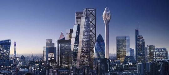 A Londra si discute molto per questo grattacielo dalla forma un po' ambigua
