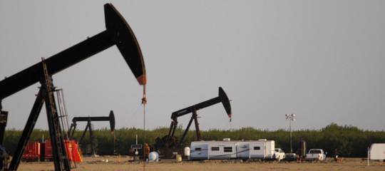 Cosa sta succedendo al prezzo del petrolio?