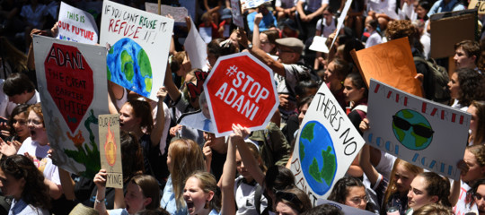 Gli studenti australiani in sciopero per il clima