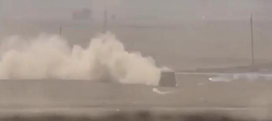 Iran: kamikaze con camion-bomba contro la polizia, almeno 3 morti e 10 feriti
