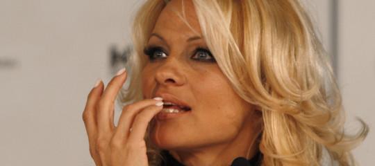 Lega Salvini ringrazia Pamela Anderson