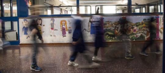Il caso in Campania di presunti falsi insegnanti nato dopo un incendio