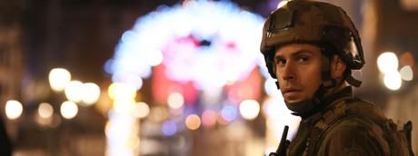 Spari al mercatino di Natale di Strasburgo, due morti e 11 feriti. Identificato il killer