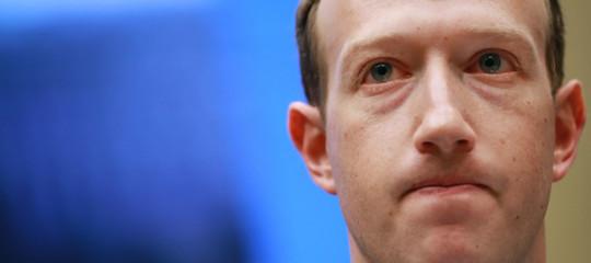 Foto dei profili accessibili a tutti. Cosa sapere sul nuovo bug di Facebook