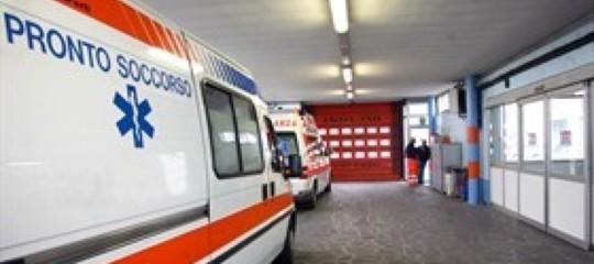 Un Suv si è scontrato con una bici a Torino, morto il ciclista