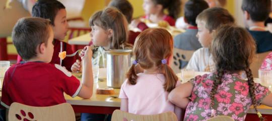La mensa scolastica è un diritto di tutti