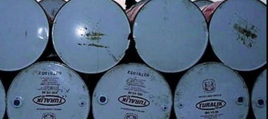 petrolio consumo produzione