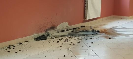 Risultati immagini per Aprilia, lancia molotov dentro un liceo