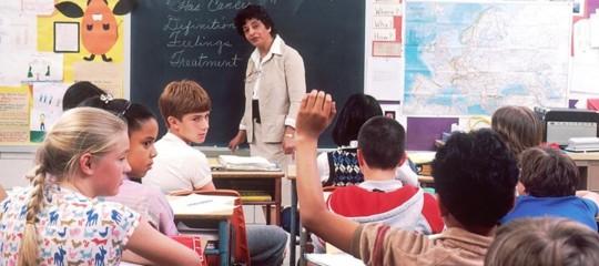 scuola insegnanti contratto