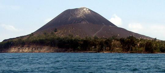 AnakKrakatauèfiglio di un vulcano che fece oltre 36.000 morti