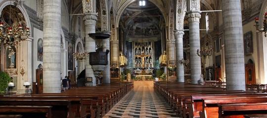 Entra in chiesa e urla 'Allah', panico a messa Natale nel Bresciano