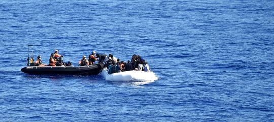 Migranti: 42 sbarcati a Trapani, uno portato in ospedale Pantelleria