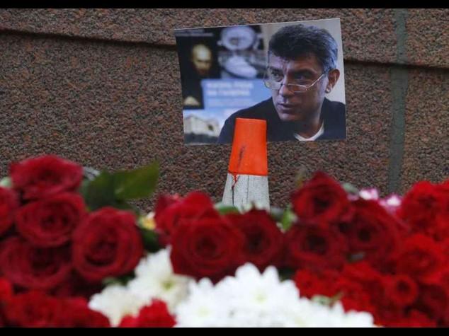 """Ucciso leader russo Nemtsov. Mosca, """"Omicidio studiato nei dettagli"""" Foto-Video"""