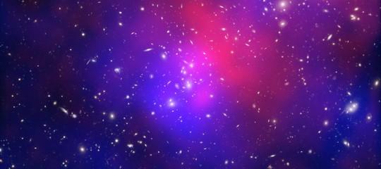 L'enigma della materia oscura e la saggezza di Socrate