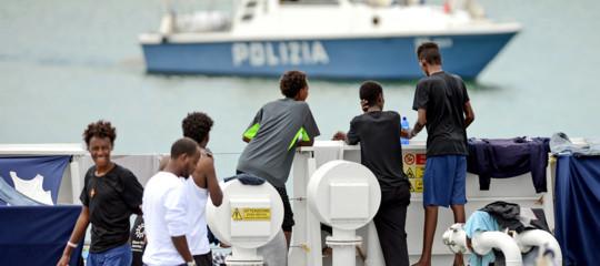 Migranti Viminale 23.370 sbarcati 80,42% meno
