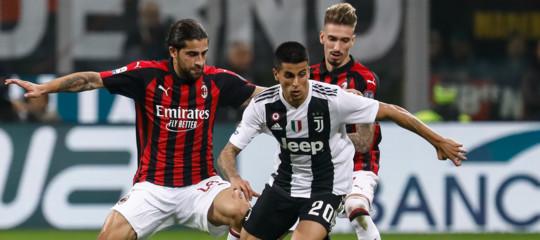 Il caso dellaSupercoppatra Milan eJuvea Gedda e delle donne allo stadio