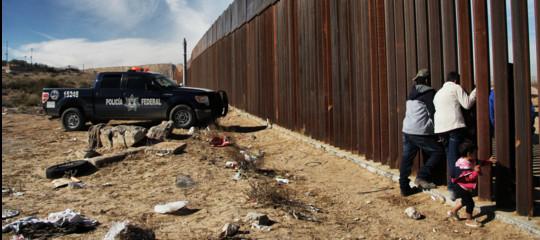 DonaldTrumpminaccia lo scontro totale sul Muro col Messico