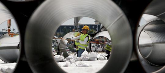 Industria:a novembre crolla la produzione, -2,6% sull'anno